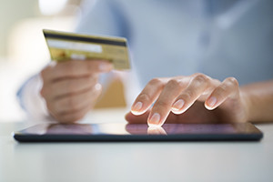Thinkstock-online-purchase-pad-credit-card